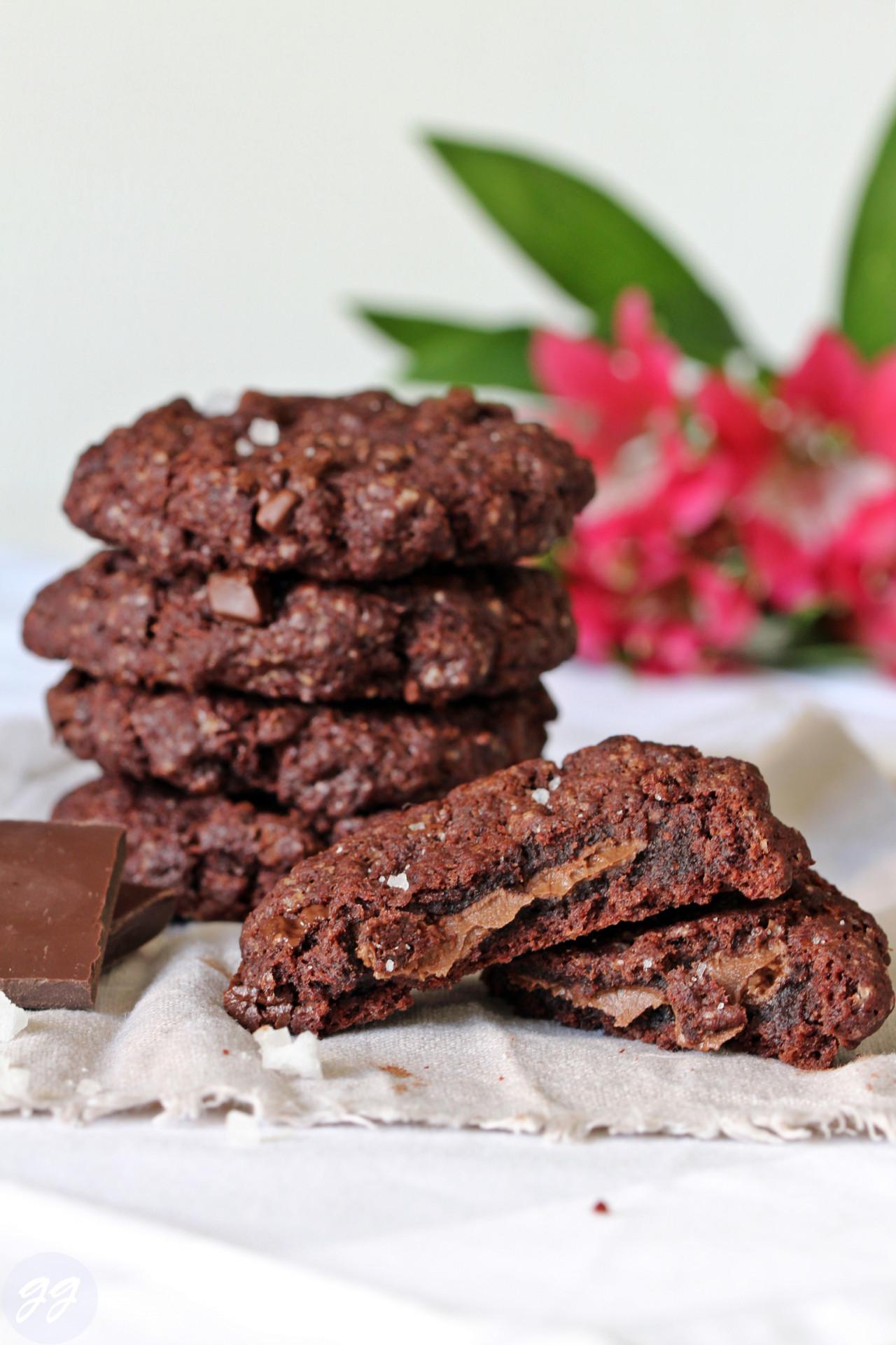 Red Velvet Cookies mit Nougatfüllung