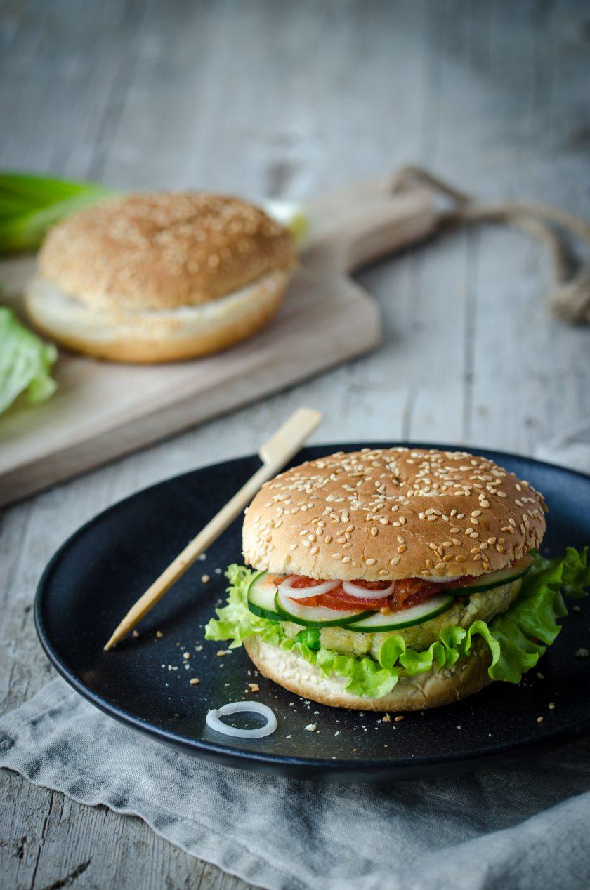 veganer-hirseburger