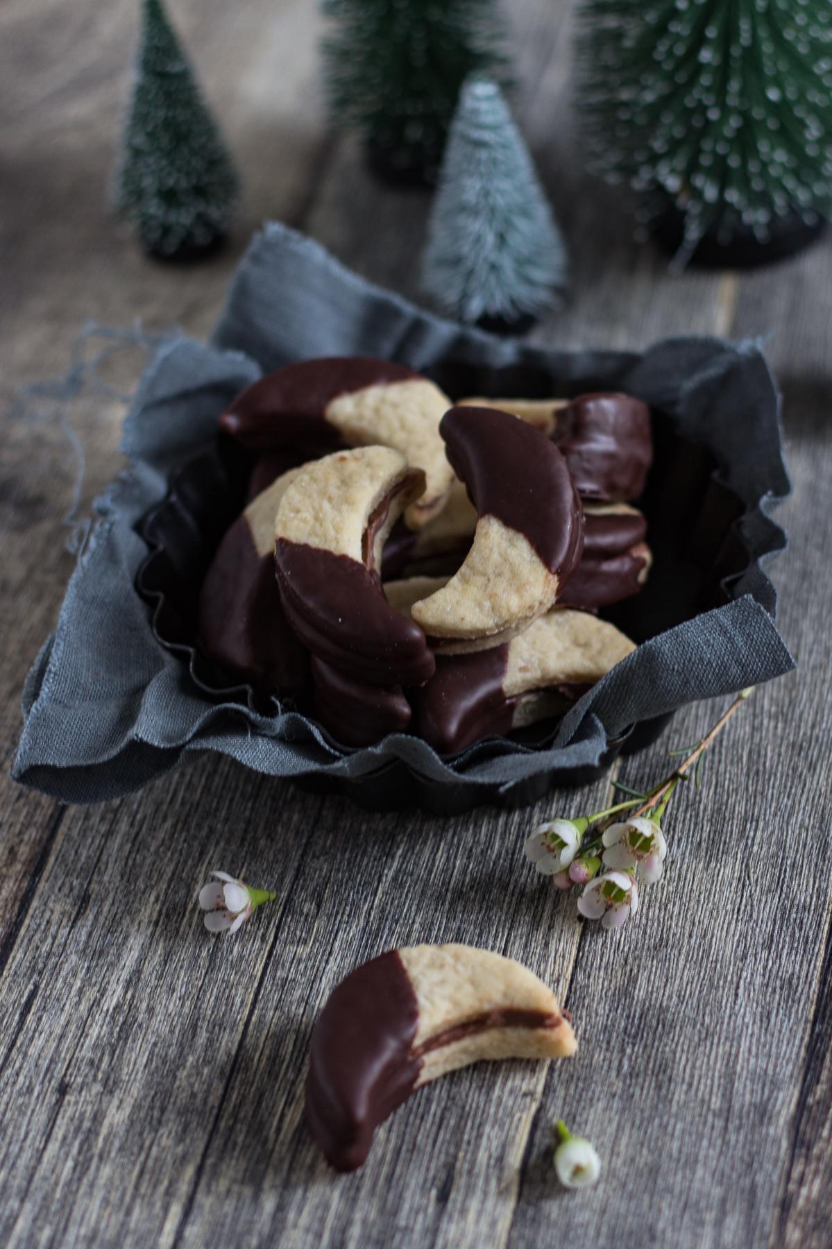 Gefüllte Schokoladenmonde/ vegan
