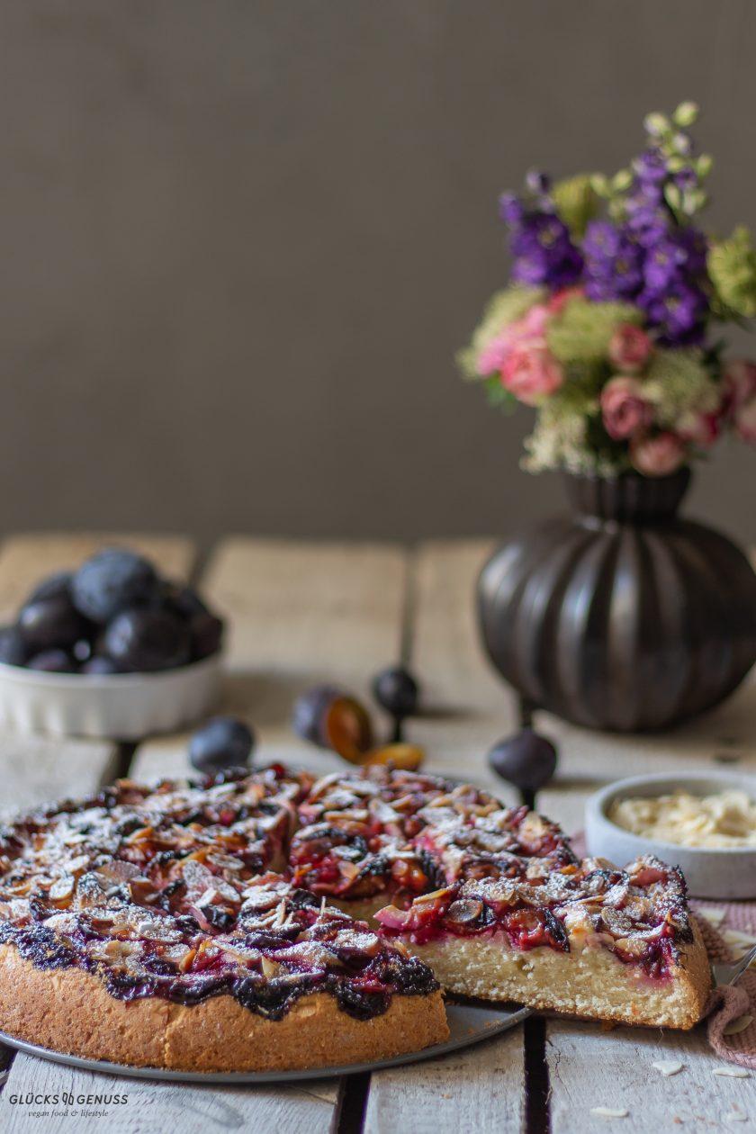 Veganer fluffiger Zwetschgenkuchen