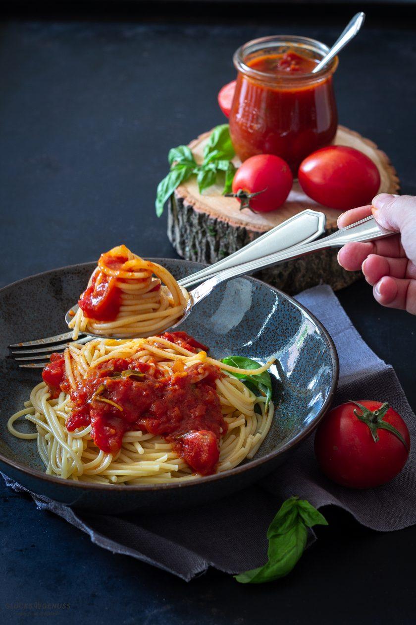 Selbstgemachte Tomatensoße