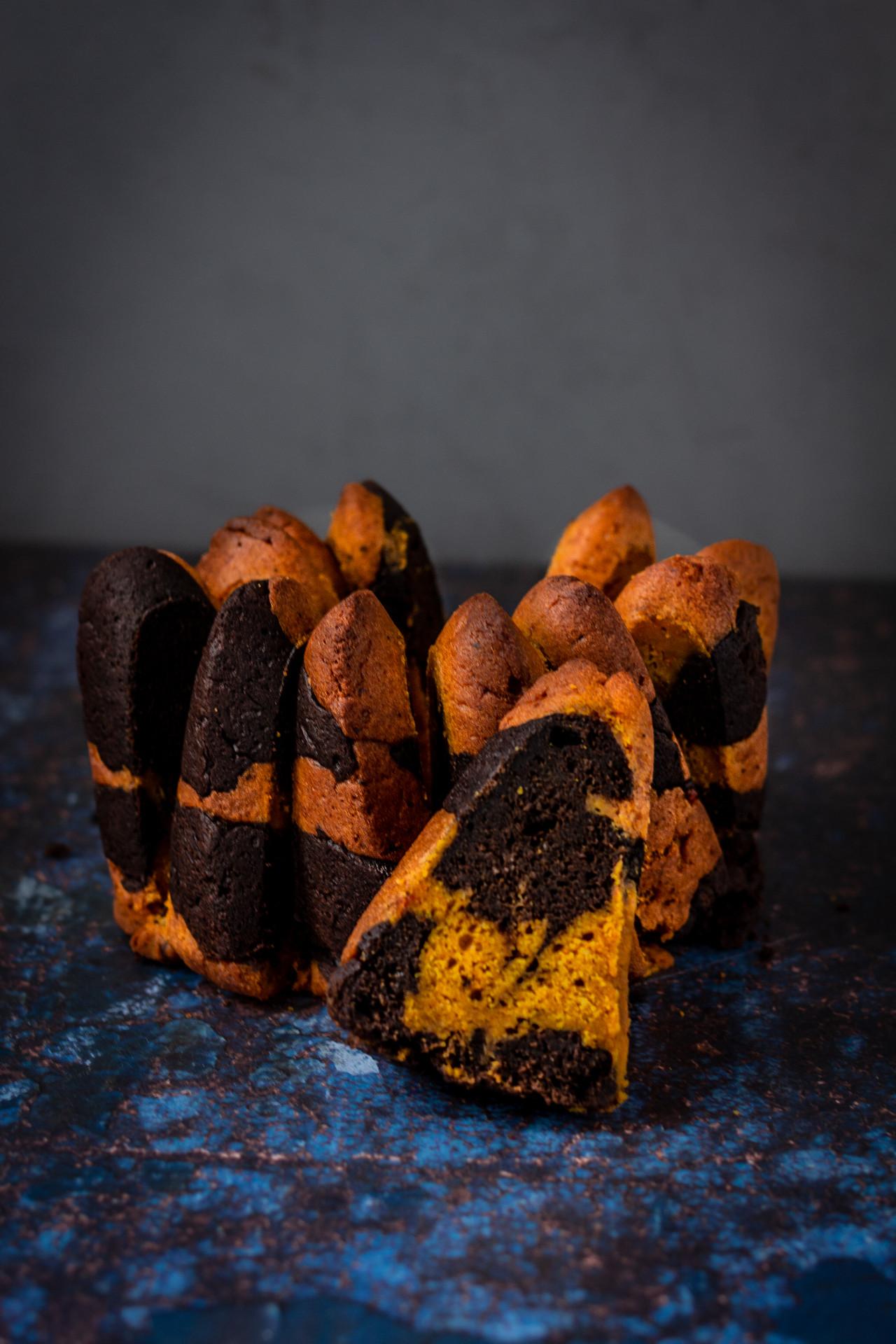 Veganer & saftiger Kürbis-Marmorkuchen