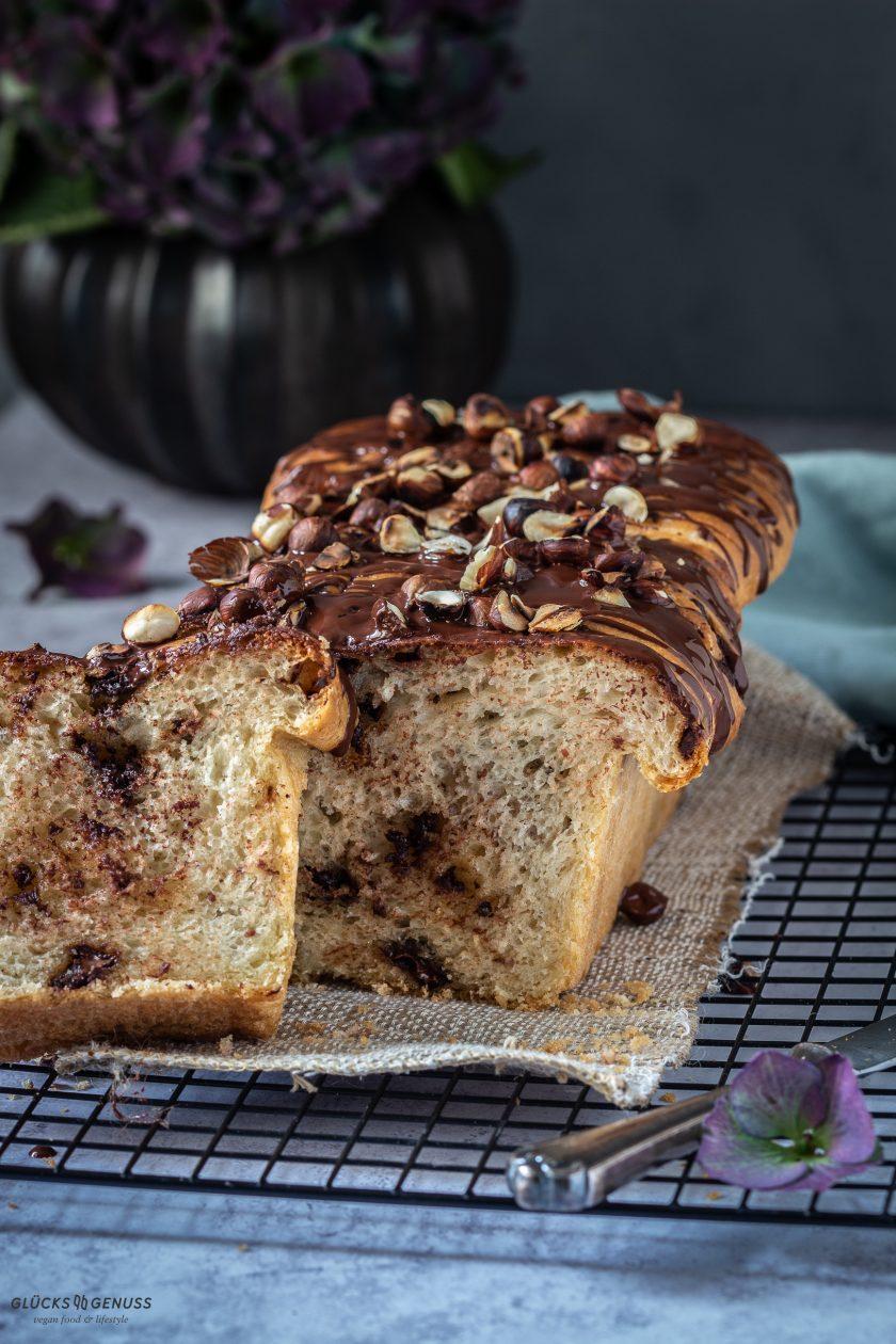 Schokoladen-Nougat-Zupfbrot