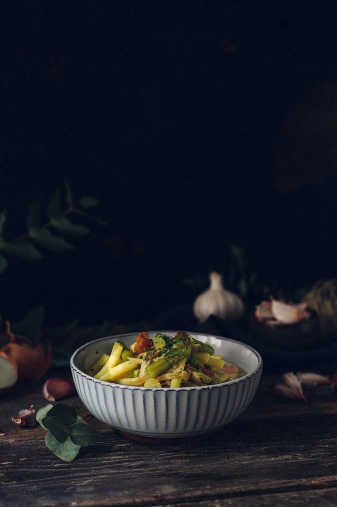 Vegane Hühnersuppe
