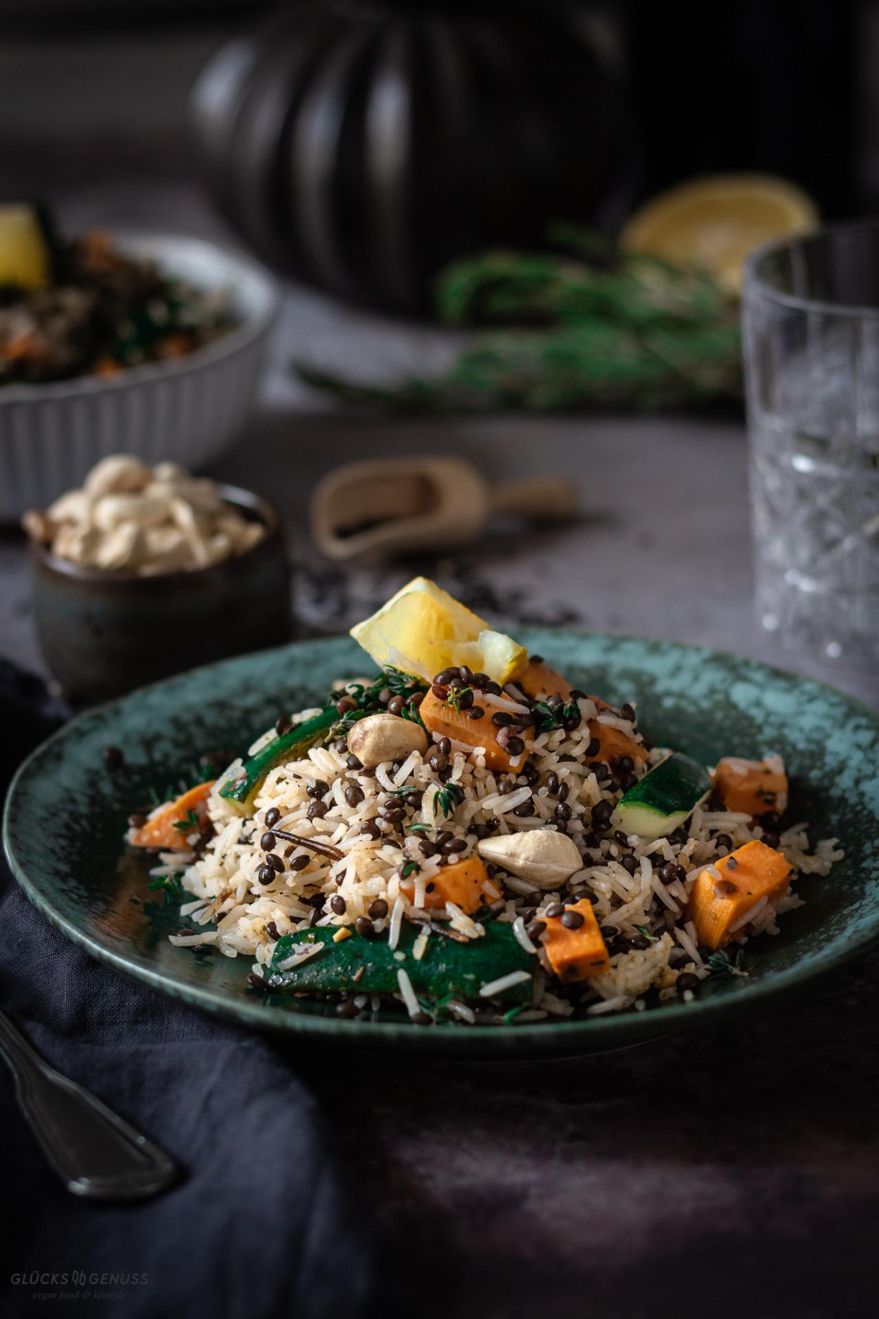 Reissalat mit Linsen & Knoblauchchips