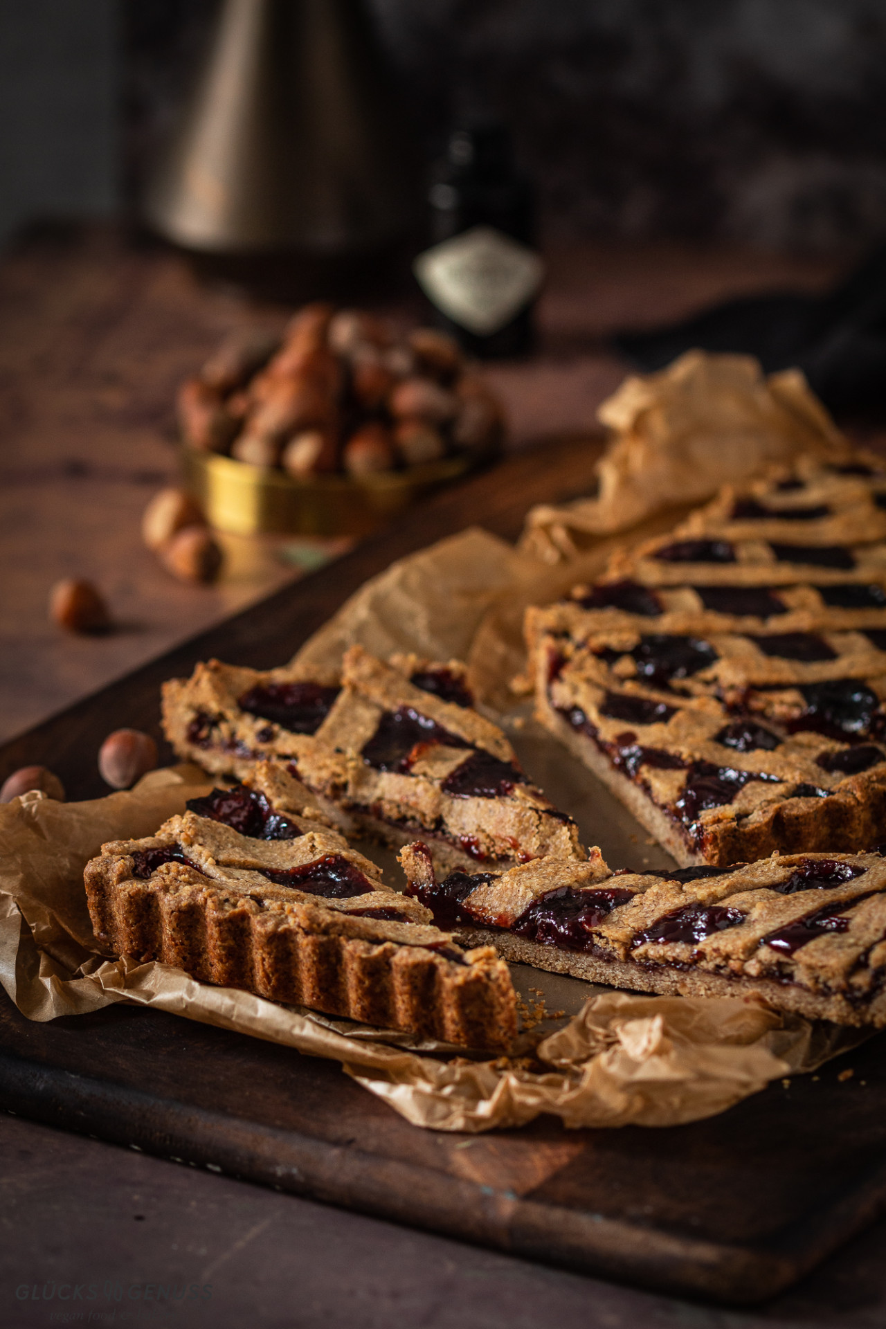 Vegane Linzer Torte mit fruchtiger Beerenmarmelade