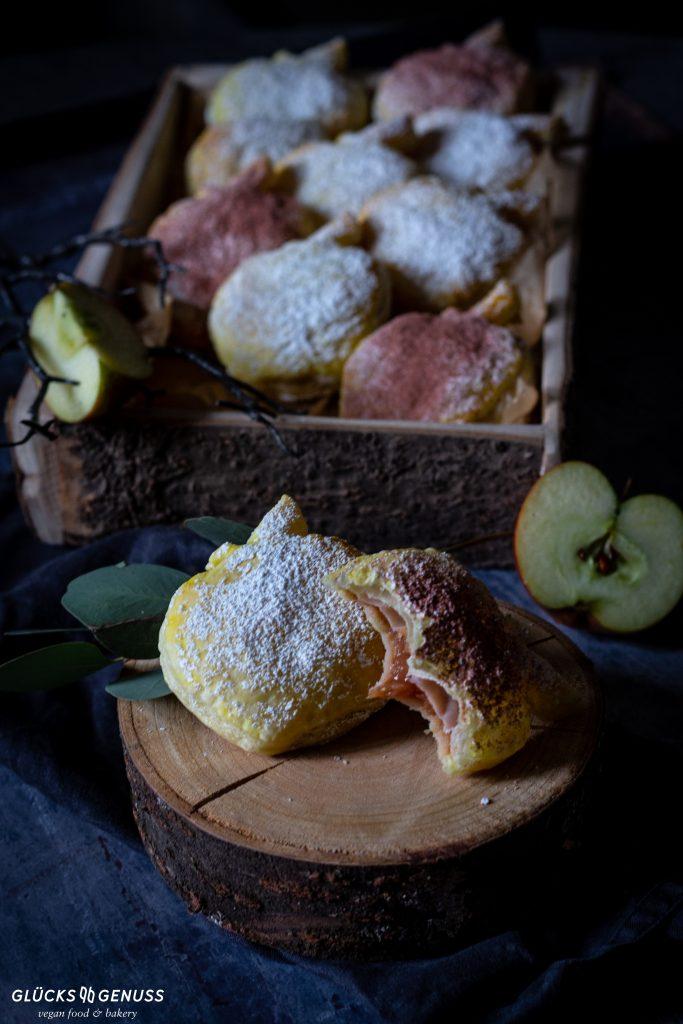 Bratapfeltaschen mit Blätterteig