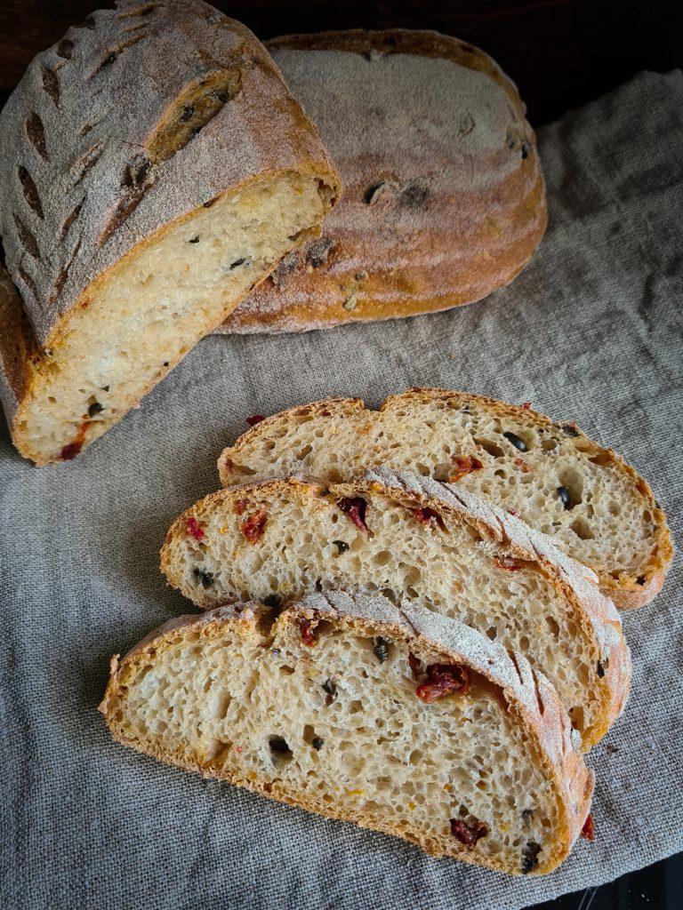 Saftiges Dinkel-Quark-Brot