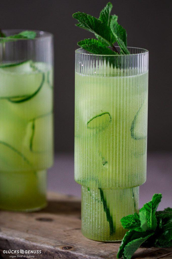 Limonade mit Gurken-Minz-Sirup
