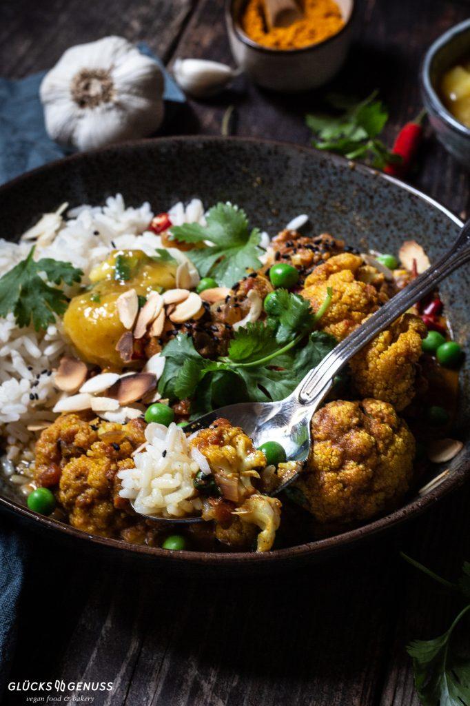 Curry mit Blumenkohl und Erbsen