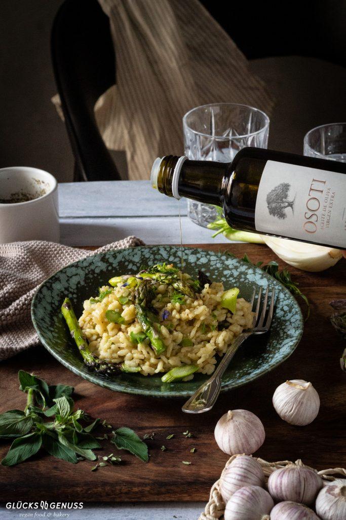 Spargelrisotto mit Olivenöl